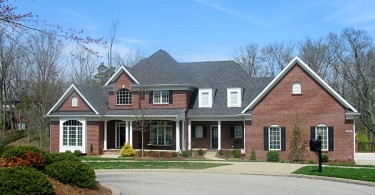 Homes for Sale in Lake Forest Neighborhood in Louisville, Kentucky