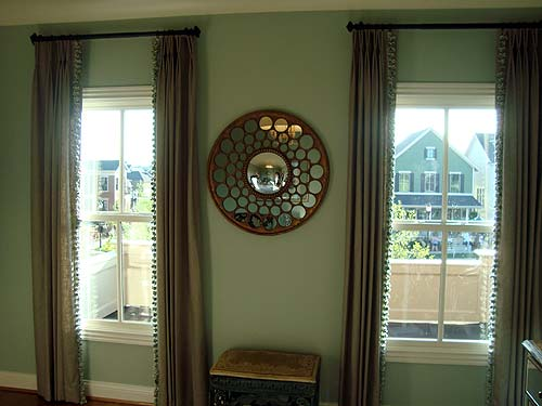 Photo of great window treatments in a Homearama home in Norton Commons