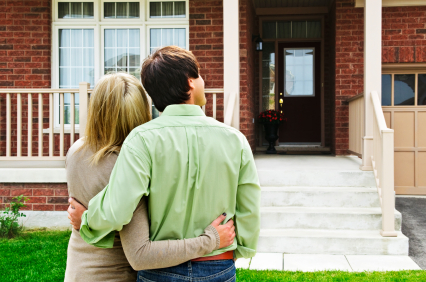 Photo of a couple asking, Can i afford to buy a home