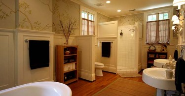 Photo of a very nicely done bathroom remodel