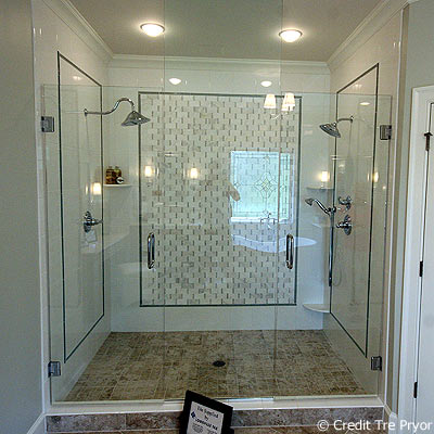 Photo of shower in Homearama House #4