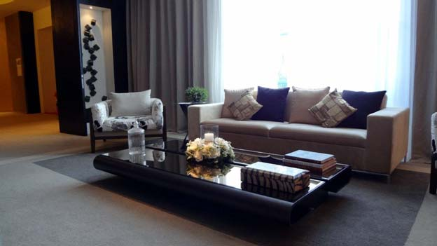 Photo of living space decluttered - Luxury Vibe a Budget