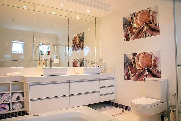 Photo of a contemporary bathroom - Choose the Right Toilet