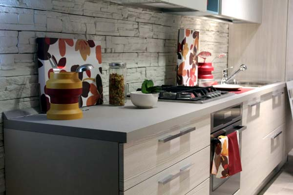 Photo of a kitchen without clutter helps to personalize your interior